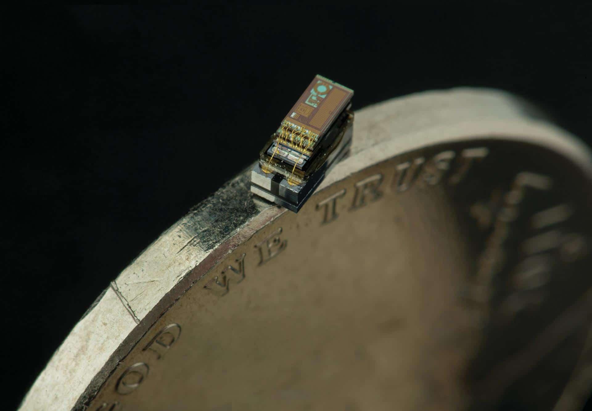 Самый маленький компьютер в мире создан компанией Micro Mote
